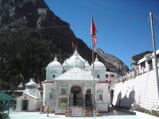 Get travel duration, driving direction to Gangotri by Road, Trains, Bus, Car and Flight only at EarthTrip Route Planner. Know how to reach Gangotri