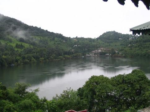 Book Best Naukuchiatal Camps Camping in Naukuchiatal Uttarakhand Camps Resorts deals Price Online with Earth Travels .
