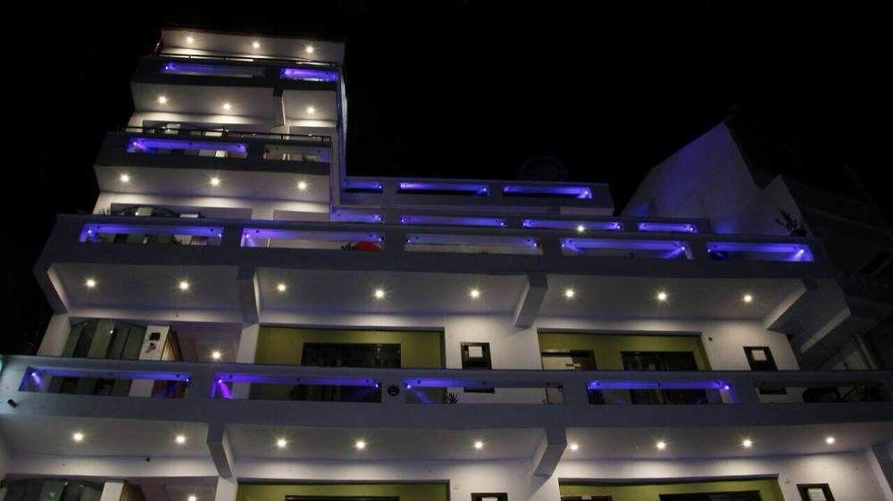 Hotel Green Palms  lansdowne