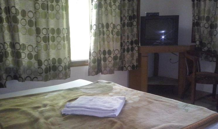Hotel Himanshu Janki Chatti