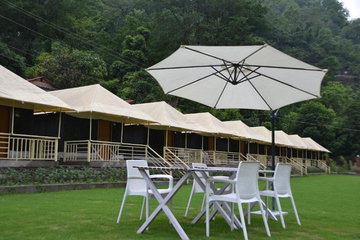 Natures Valley Resort